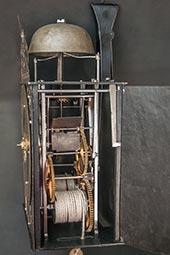 Frühe Einzeiger-Comtoise-Uhr mit Messingr