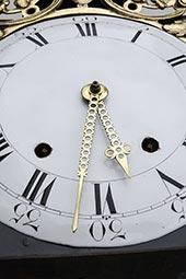 Comtoise-Uhr mit großer Sonnenspange und 2 Glocken
