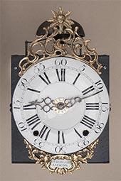 Frühe Zweizeiger-Comtoise-Uhr mit Bart