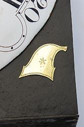 Hähnchenuhr mit Jacobinermützen und Fraternité-Symbol