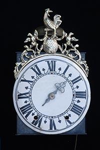Frühe Einzeiger-Comtoise-Uhr Haut-Saône Fayence-Zifferblatt