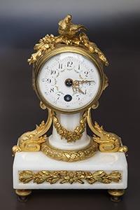 Mini-Pendule im Louis XVI-Stil