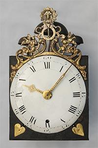 Rarität, Comtoise-Uhr mit seltenem revolutionärem Gußaufsatz