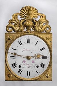 Comtoise-Uhr: Palmette mit Drachen,  Jahreszahl 1833
