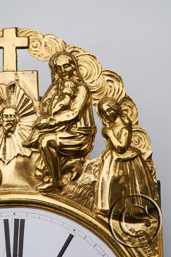Die betende Familie vor Kreuz und Antlitz Jesus